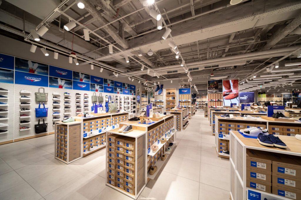 niedziele-handlowe-2021-kalendarz-kiedy-otwarte-sklepy